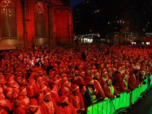 Rotterdam. La corsa dei Babbo Natale