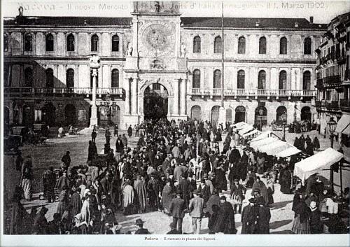 32 padova il mercato di piazza dei signori vecchia for Mercato antiquariato padova